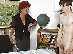 milf spanking - grande culo milf