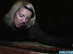 milf flashing in public - amateur hd porn