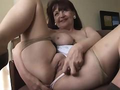 milf upskirts - hot moms porn
